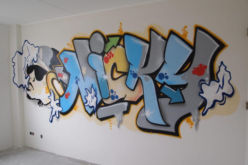 Graffiti met poppetje slaapkamer