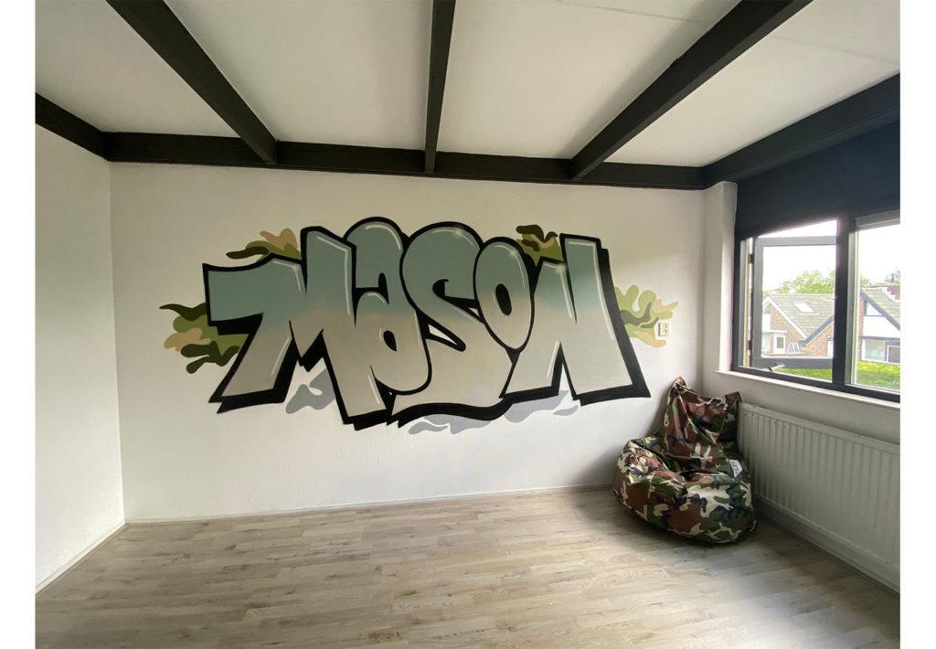 Graffiti naam in slaapkamer